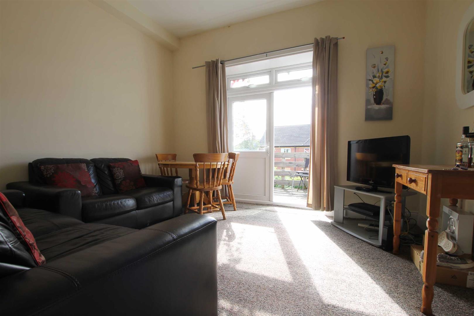 Simonside Terrace Newcastle Upon Tyne, 4 Bedrooms  Maisonette ,Sold (STC)